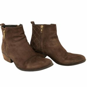 STEVE MADDEN leather booties,  brown, stacked heel quilting detail size 9